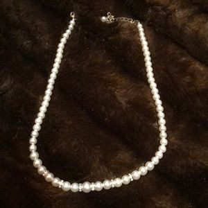 Beautiful bridal necklace-pearl/rhinestone